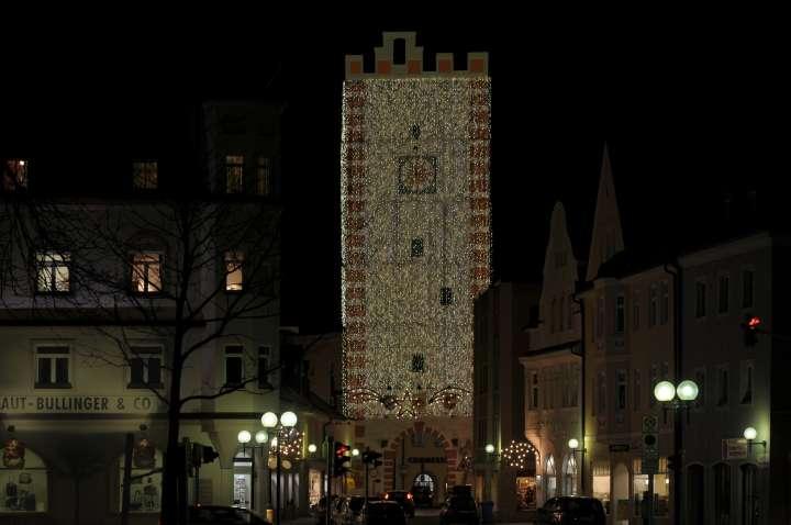 Münchener Tor - Zugang zur Altstadt - Weihnachtsbeleuchtung