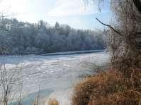 Inn bei Starkheim - Nur selten sieht man ihn zugefroren, wie hier im Januar 2009