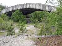 Traurige Zeugen einer schrecklichen Vergangenheit - die Reste der Bunkeranlage einer Flugzeugfabrik im Mühldorfer Hart