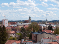 Ein Besuch lohnt zu allen Jahreszeiten und Wetterlagen. Der Überblick über die Altstadt fasziniert immer wieder. Von leichtem Wind zeugt die Fahne Mühldorfs, die auf dem Nagelschmiedturm in den Mühldorfer Stadtfarben rot - weiß  flattert